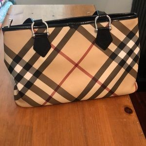 Classic Burberry Tote